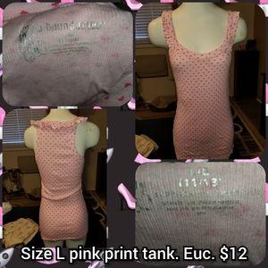Size Large pink print tank top